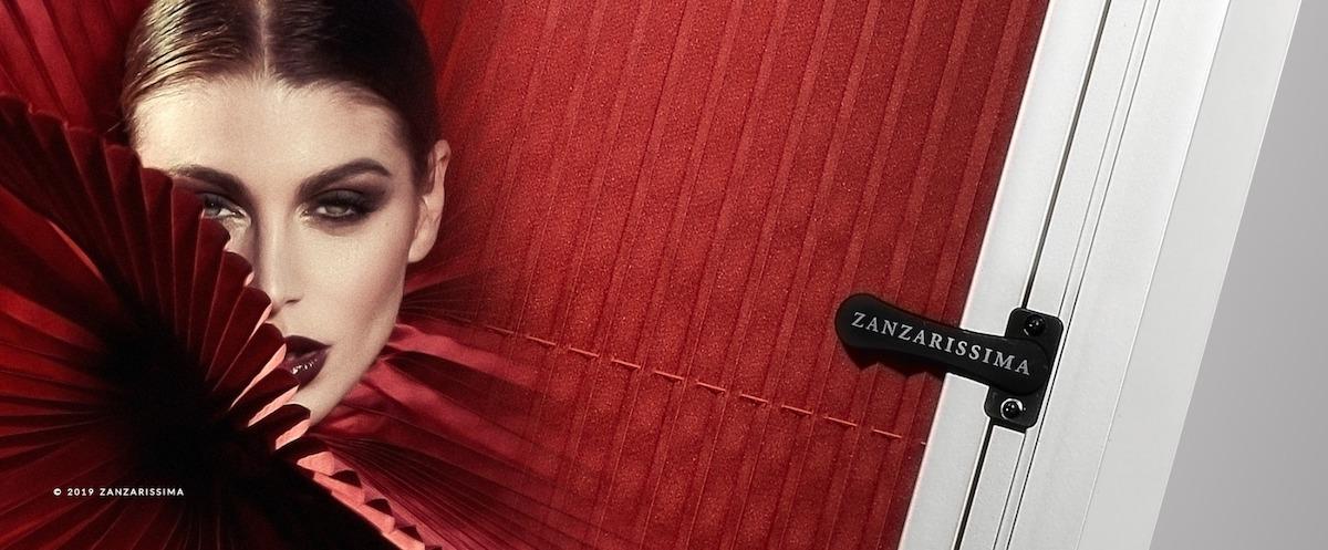 Zanzarissima oscurante plissè rosso